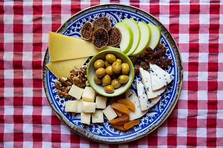 vino_sarap_evi_peynir_tabagi.jpg