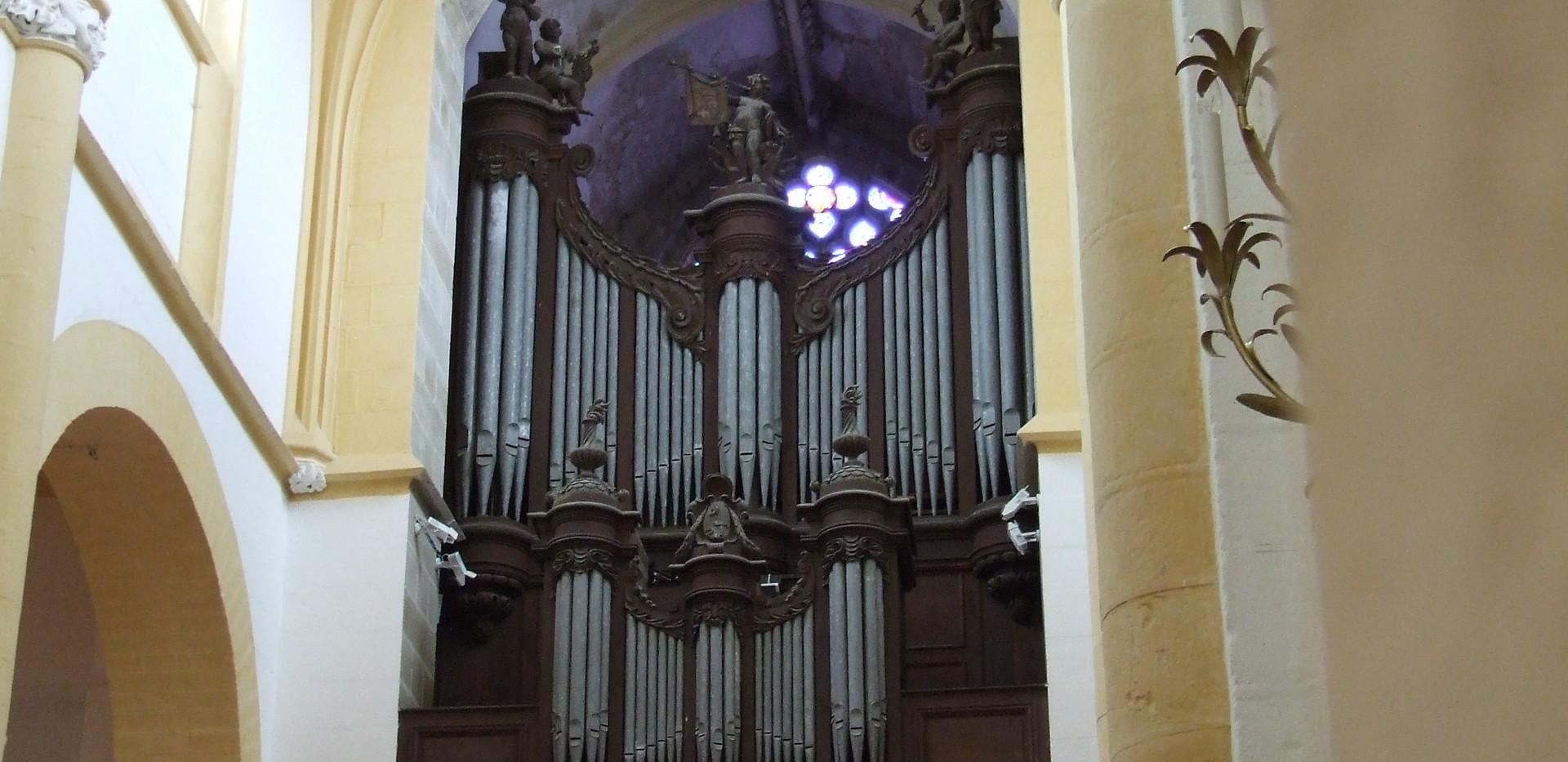 Buffet de l'orgue de Souvigny