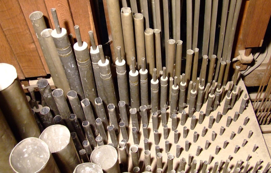 Vue de la tuyauterie du grand-orgue