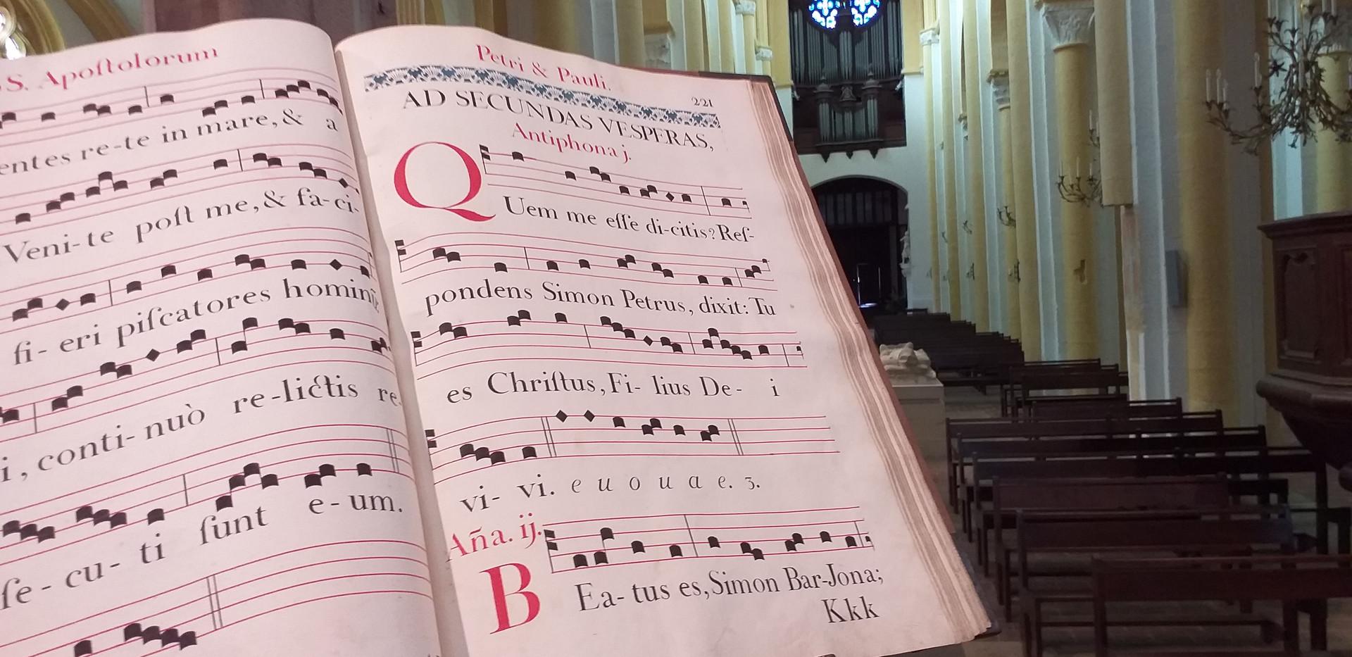 Antiphonaire de 1779 copié par les moine peu avant la construction de l'orgue