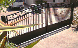 G37 - Estate Driveway Gate with Scrolled top and Kick Plate.JPG