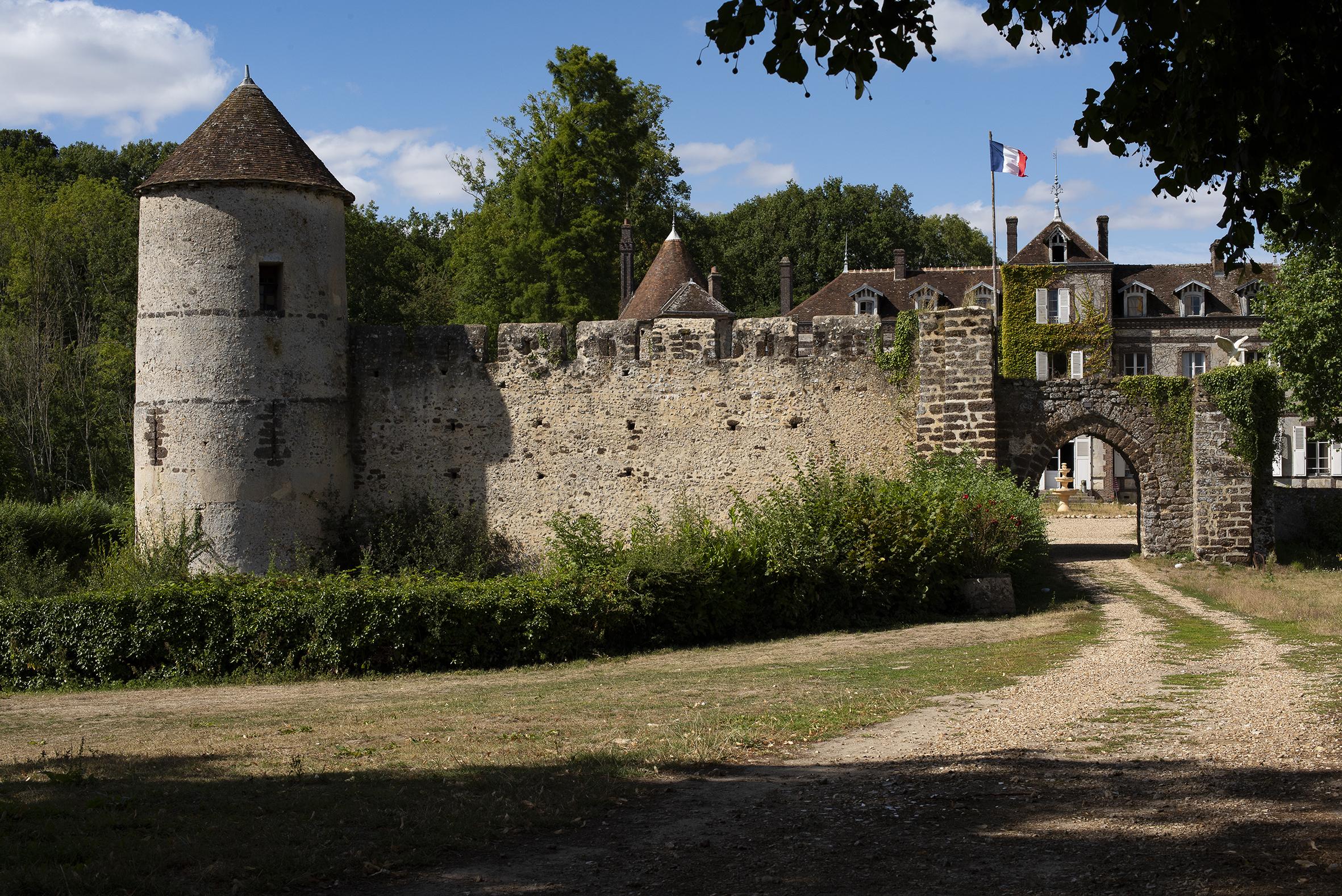 chateau de manou.jpg
