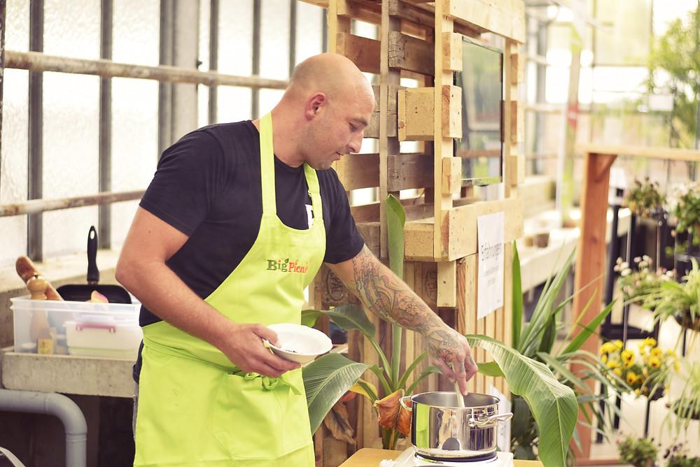 Küchen Rowdy im Science Cafè