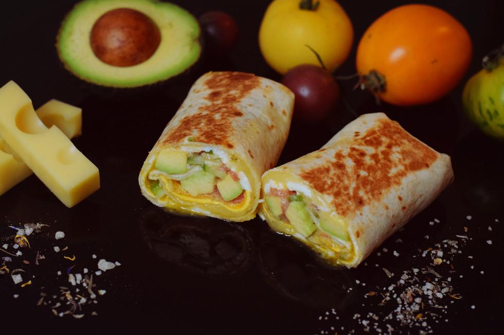 Frühstücksburrito mit Ei & Avocado