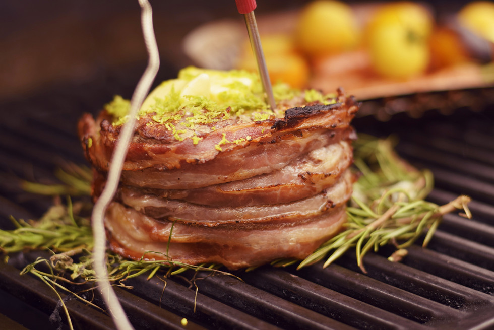 Filet-Baconbomb vom Weber PULSE 2000
