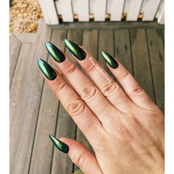 Holiday green chrome gel manicure