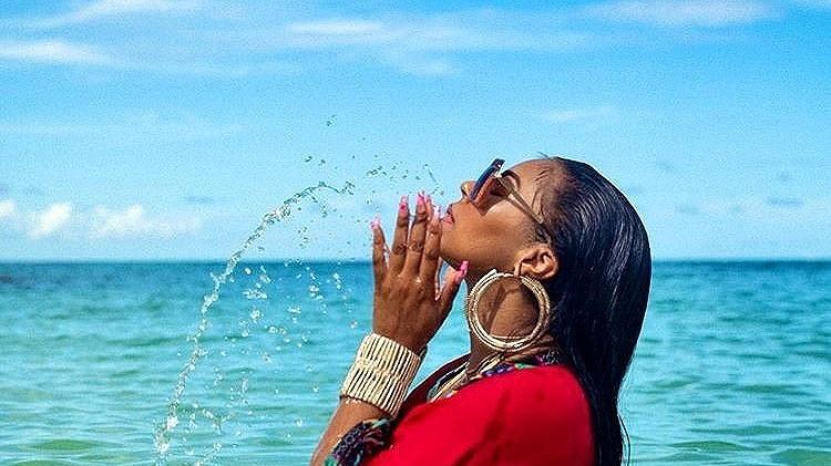 Ashanti Marble Apres Nails