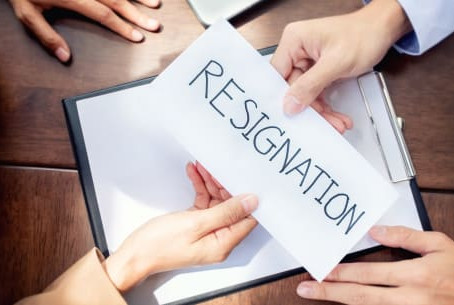 Resignation with immediate effect - separate rulings confuse the matter