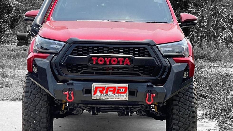 Front bumper Hilux 2021
