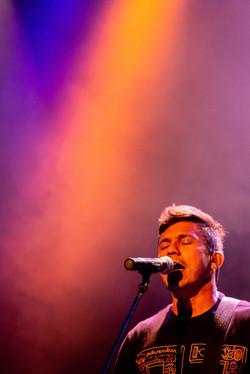 man-singing-in-concert-event-1771308