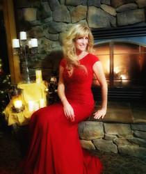 Alicia Blickfeldt red dress singer musician mp3