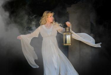 Alicia Blickfeldt back of album image
