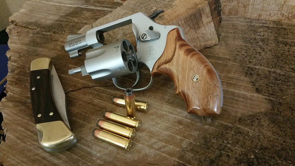 "S&W J-Frame ""African Mahogany"" Round Butt Grip"