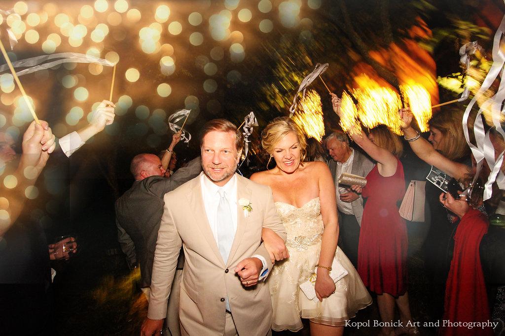 Chalk Hill wedding couple sendoff