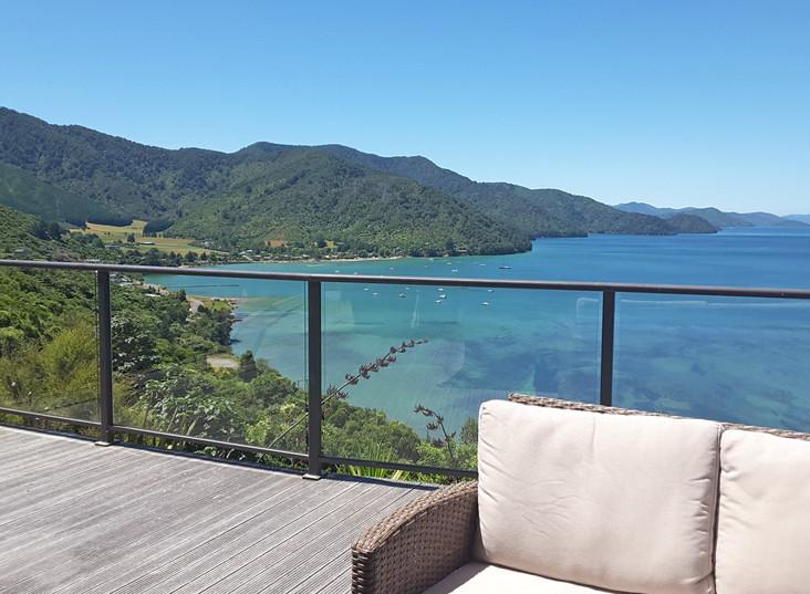 Okiwa Bay Lodge Deck