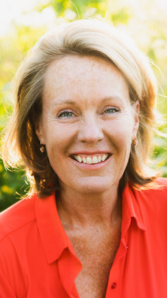 Anouk Hogenboom BODY ORIENTED PSYCHOTHERAPY & TRAINING