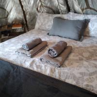 la cabaña bedroom