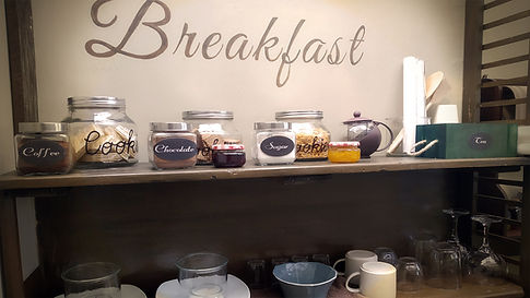 breakfast Glamping.jpg