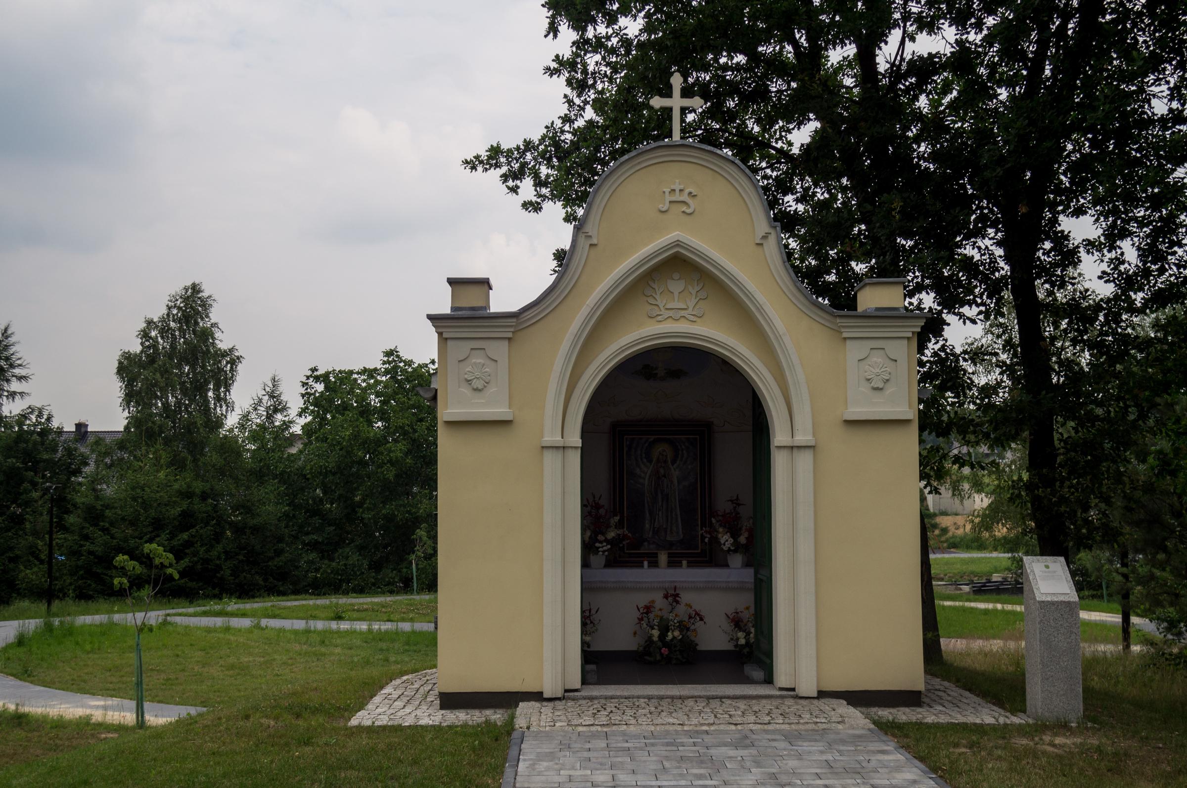 Kapliczka przykościelna