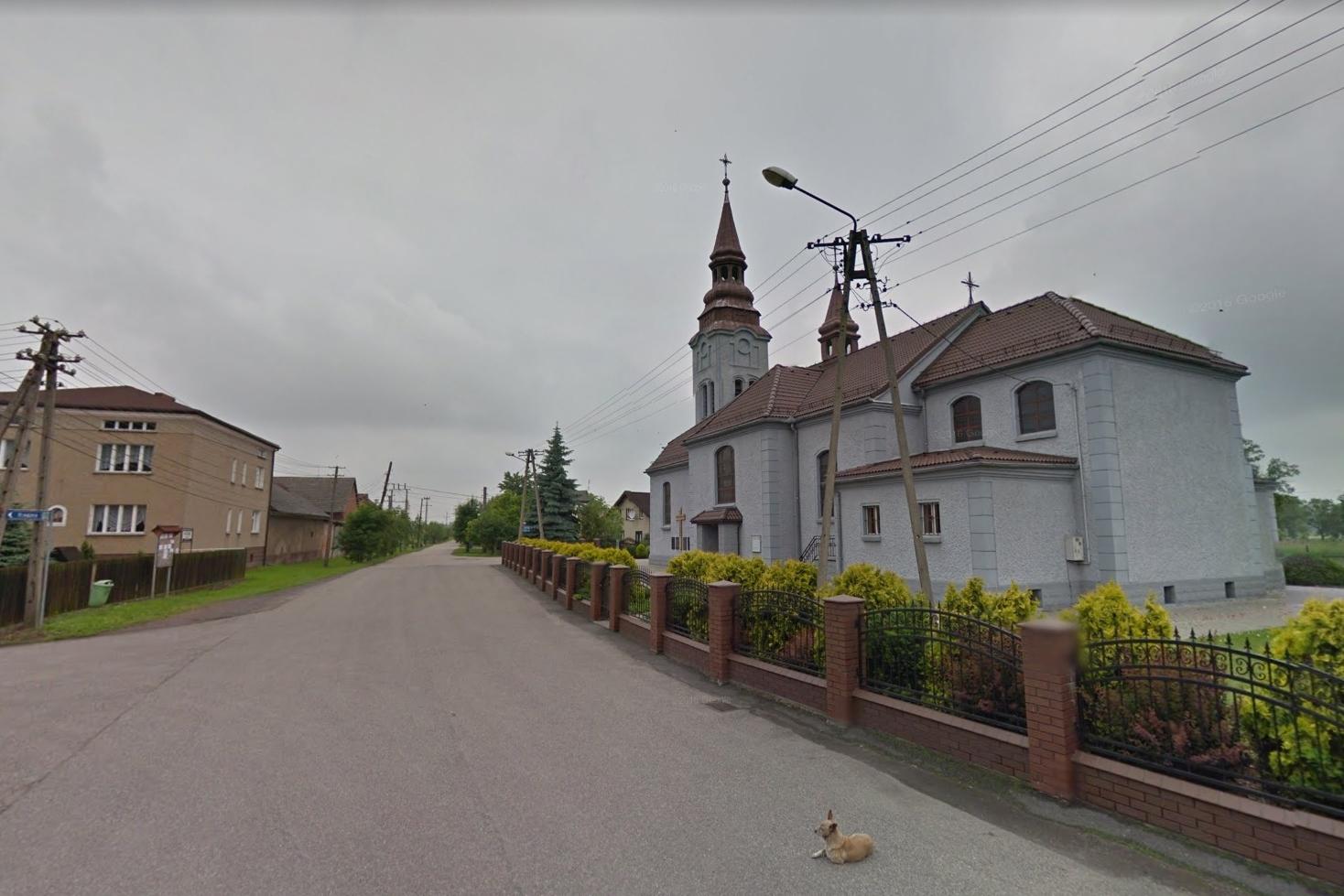 Kościół, ściana boczna i tył