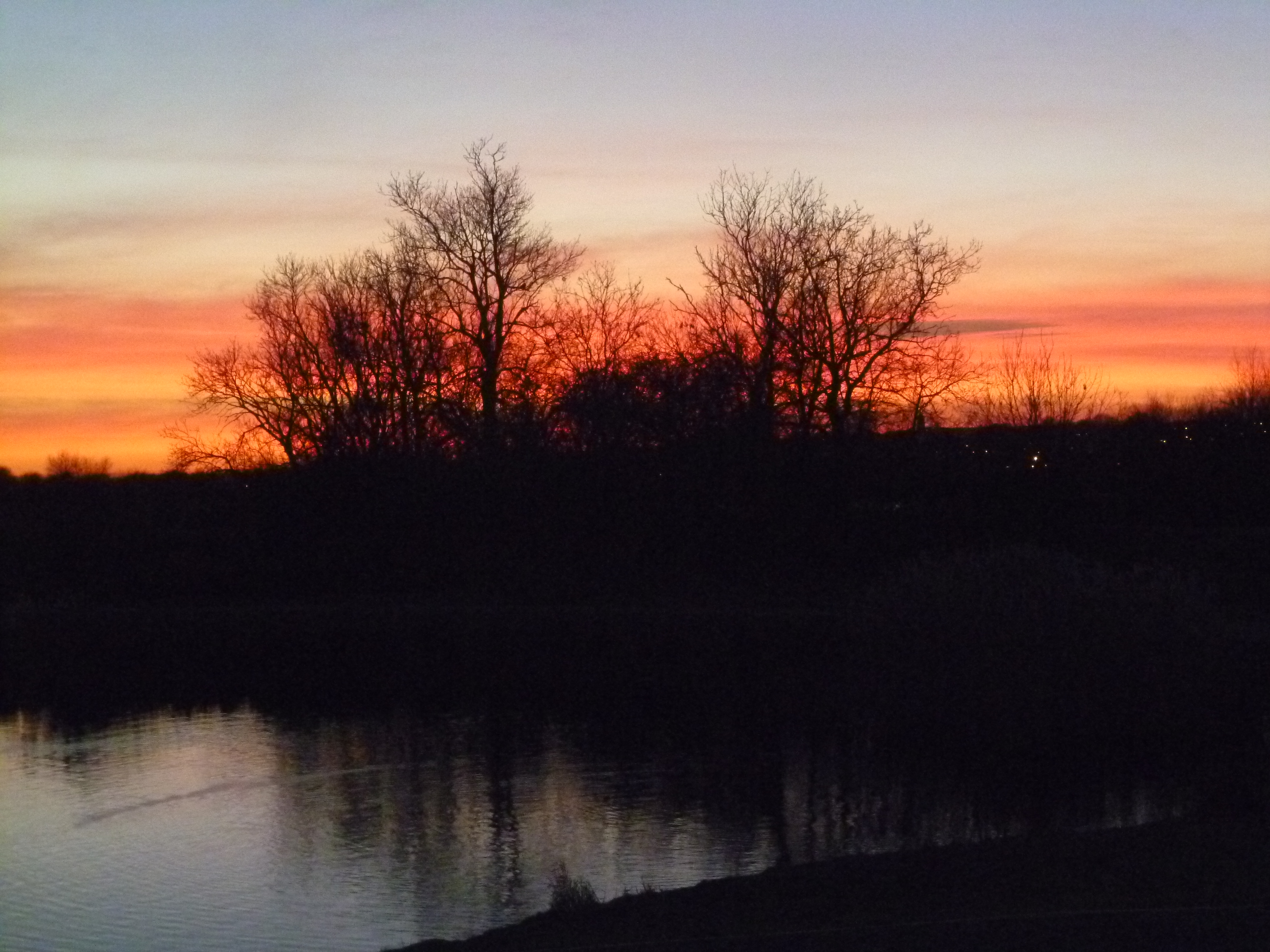 Red skys at Stanwick Lakes
