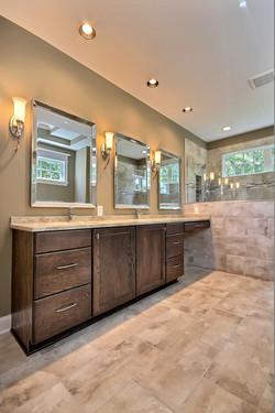 ML Master Bathroom (1)