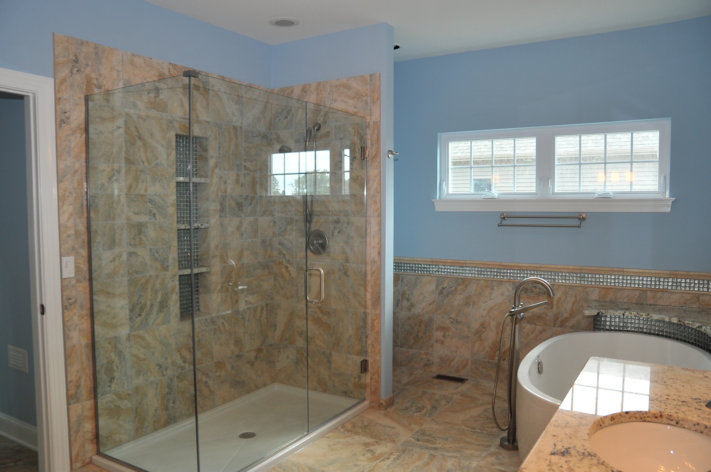 ranch-master-bath-shower-soaker-tub-arbo
