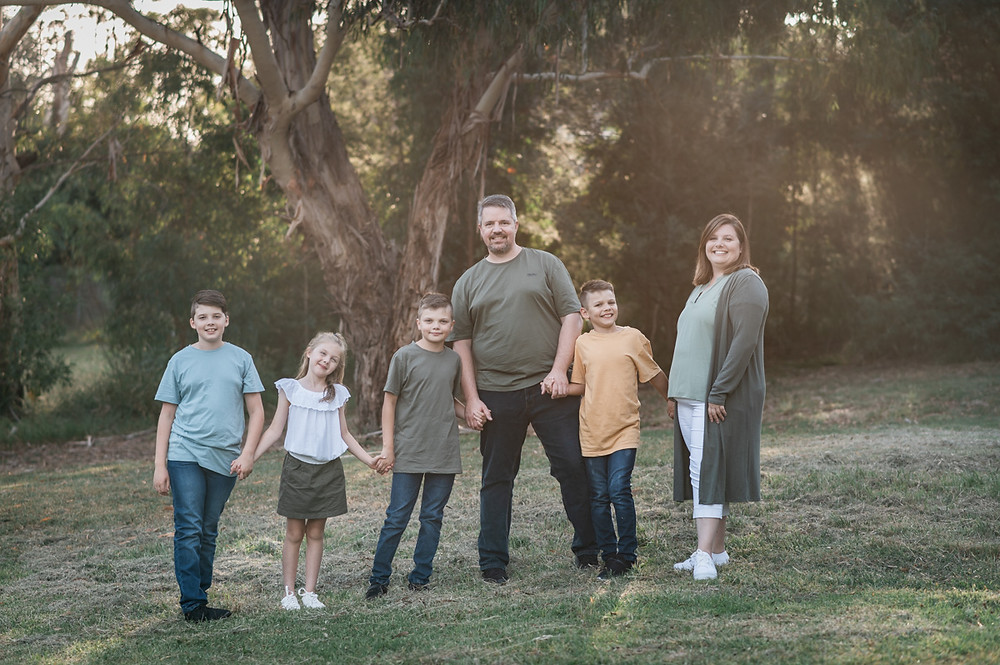 lifestyle family portrait at golden hour - outdoor family photography Melbourne