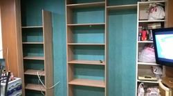 Встроенный шкаф с боковыми стенками