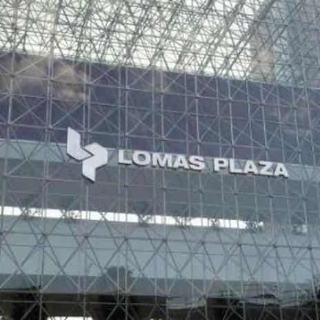 Lomas Plaza