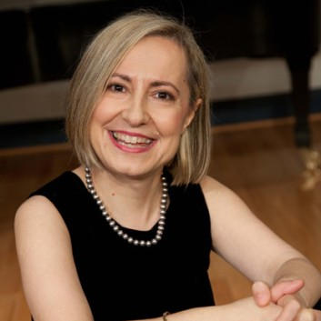 Pavlina Dokovska, Piano