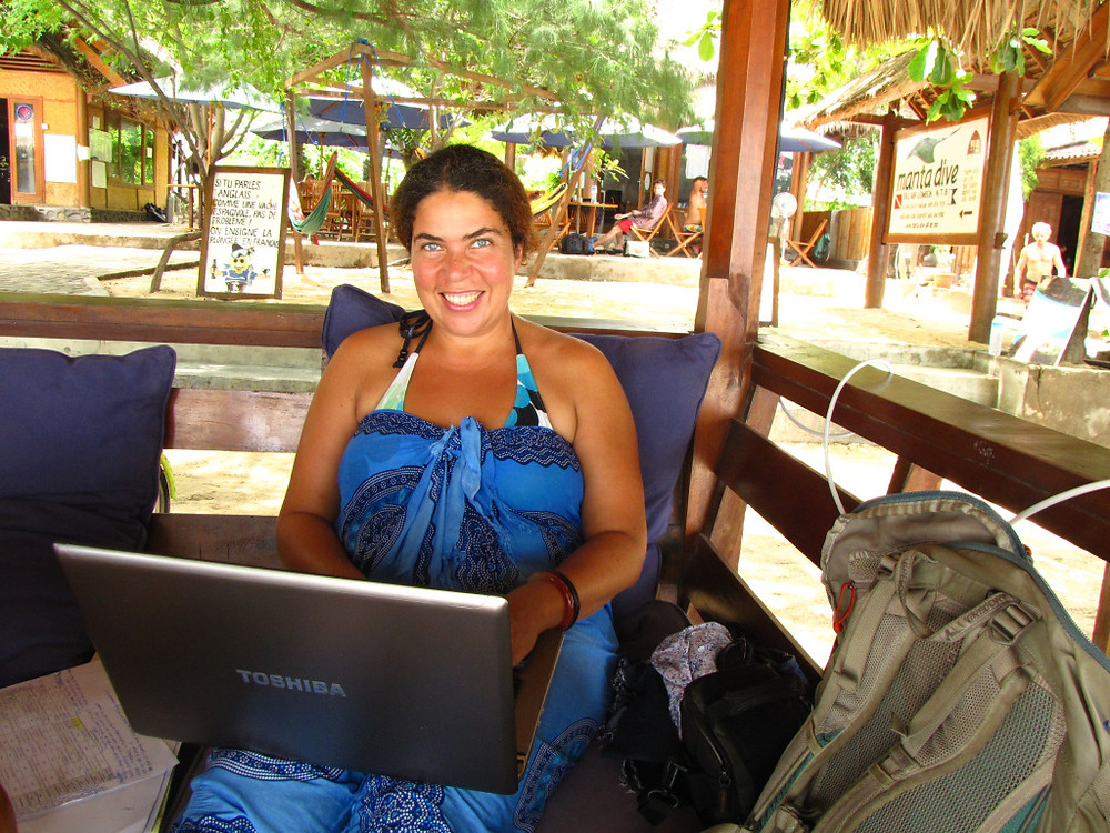 Writing a thesis in a bikini and sarong. Yup! That's how I roll!!