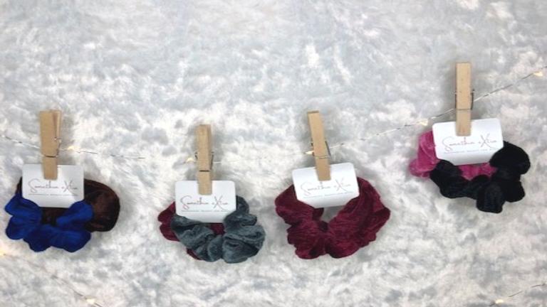 Velvet Wrislet Scrunchie Set