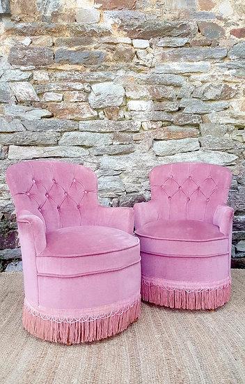 Duo de fauteuils crapauds rose