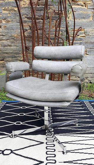 Ancien fauteuil de coiffeur