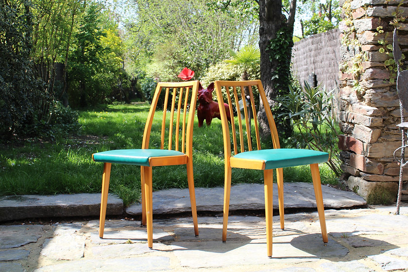 Deux chaises scandinaves