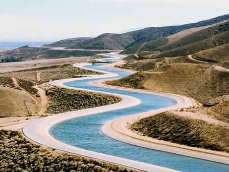 Más carreteras… ¿Y las hídricas cuándo?