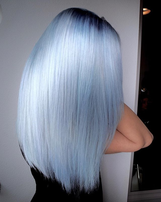 Glacier Platinum ❄️🗻❄️ Ultra Cool Blondes Now Treding! By Michael & Melody Using _pravana Vivids Tr
