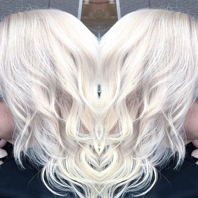 Pearl Platinum Blonde⚪️⚪️⚪️Styled by Mecca. Seriously loving on _pravana Pearl Express Toner! Can't