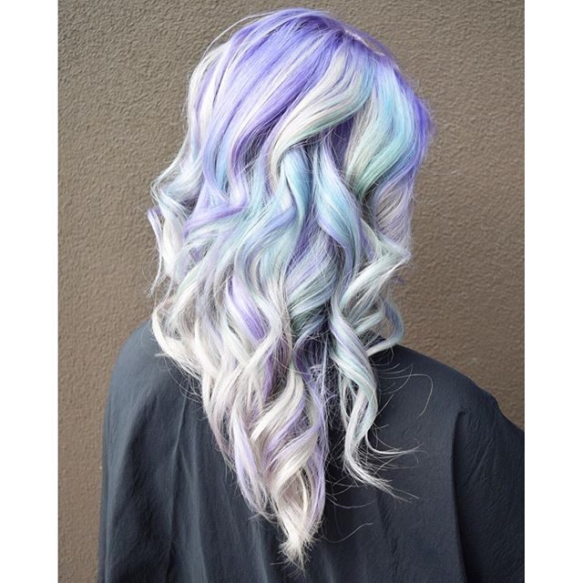 💜🐬If Mermaids Were Real🐬💜 I'd bet their hair would look just like this