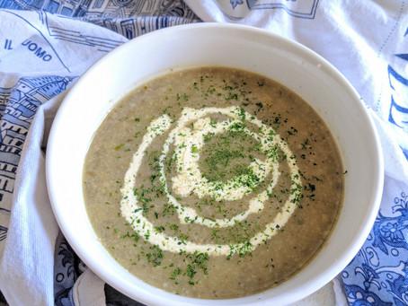 The Best Creamy & Garlic-ey Mushroom Soup 🍄