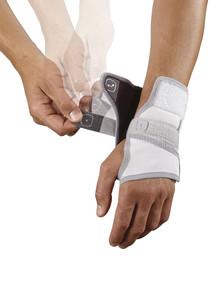 2102m-wrist-800px-2.jpg