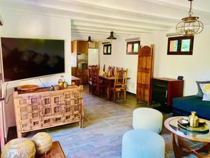 Annex Salon