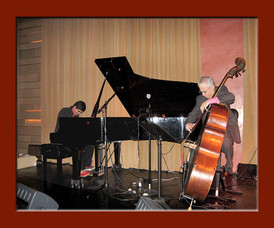 Diego Ramirez performing at LA's Vibrato Grill Jazz