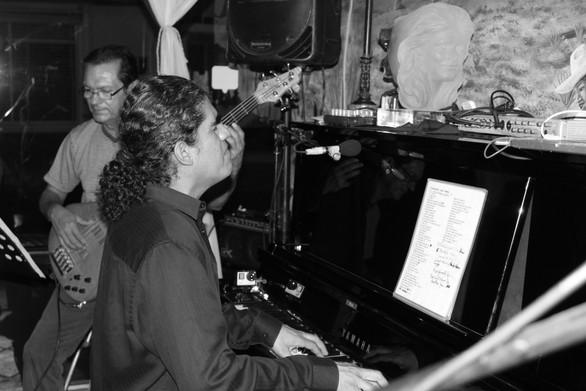 Juan Ramos, double bass & Diego Ramirez, piano