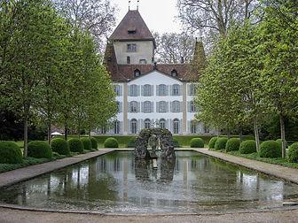 2880px-Jegenstorf_Schloss_09.jpeg