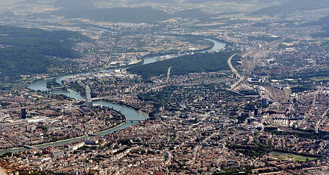 2880px-Basel_-_2015_-_Luftbild.jpeg