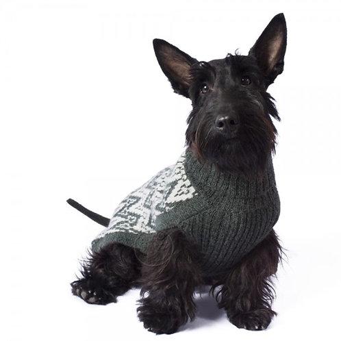 Hundepullover in grünem Andenmuster, Sitzansicht