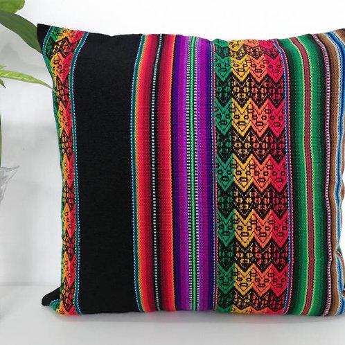 Kissen buntes Muster, mit schwarzen Streifen, Gesamtansicht
