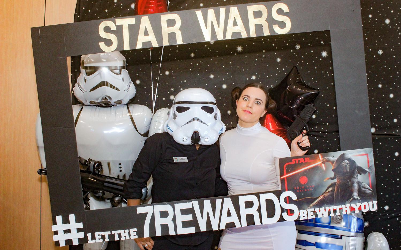 STAR WARS PHOTO AT 7 - 11.jpg